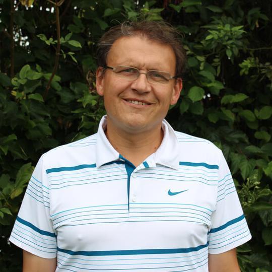 Das Bild zeigt Herr Gering, Mitarbeiter der Schulleitung