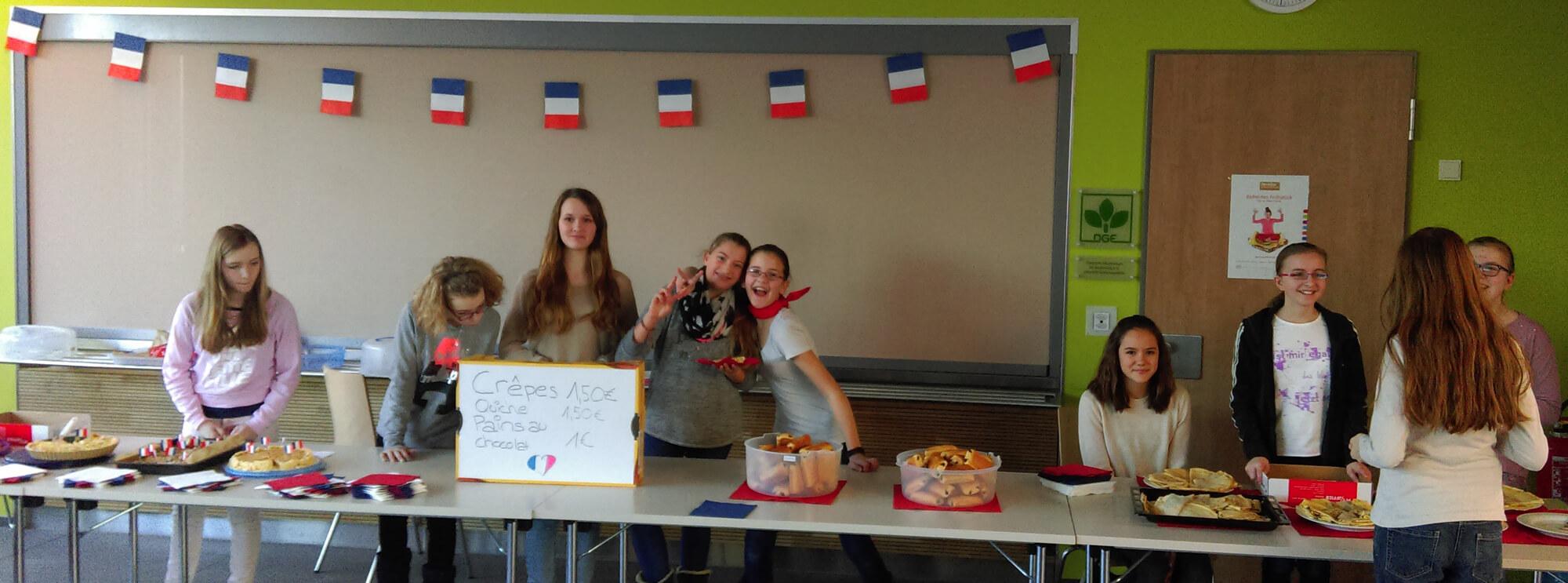 Das Bild zeigt die beteiligten Kinder am Deutsch-Französischerm Tag